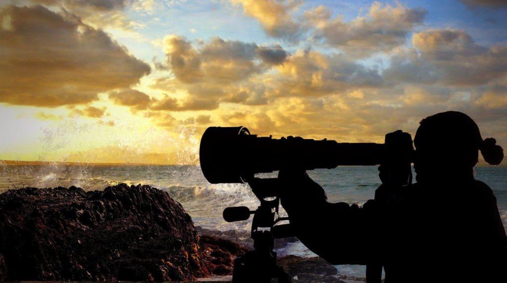 望遠ズームレンズ:遠くにある被写体