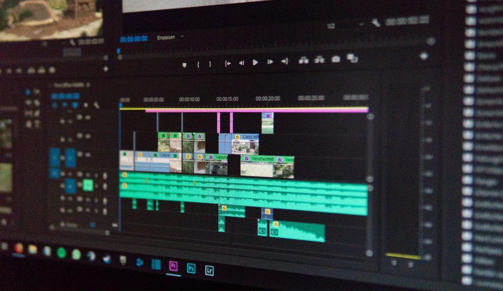 【 動画編集 】初案件獲得までに僕が行った事:ソフトはPremiereProがベター