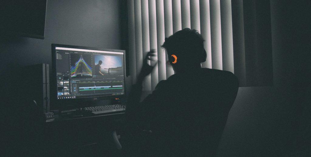 動画編集で稼げない人の特徴と対策