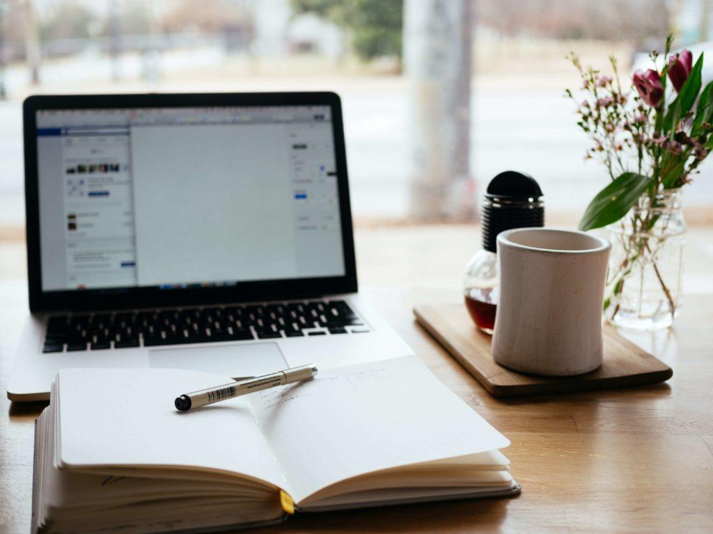 動画編集の勉強はオンライン講座一択な理由