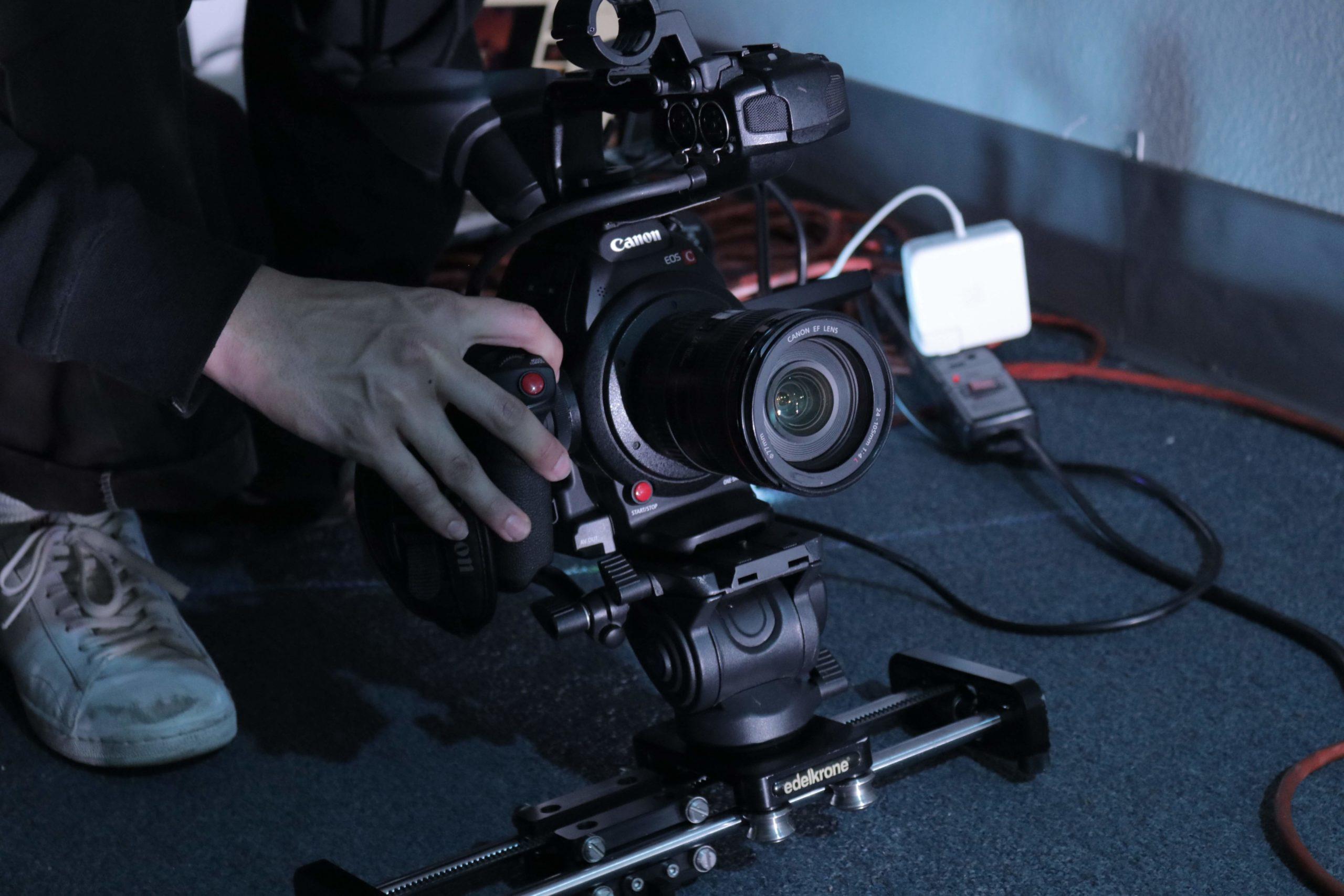 【 映像制作業界の年収は!? 】業界の仕組みを暴露します